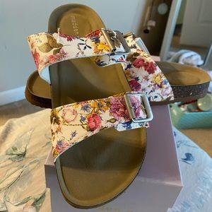 Brand New Steve Madden Floral Sandals
